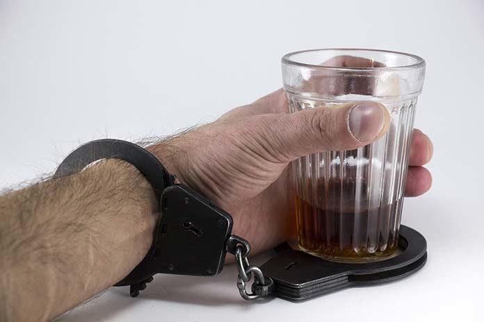 Oznaki alkoholizmu pod lupą