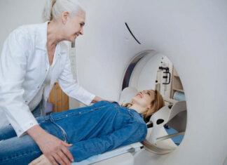 rezonans magnetyczny kręgosłupa